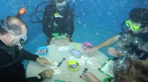 underwater-poker