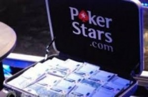 SetWidth365-pokerstarssuitcasemoney