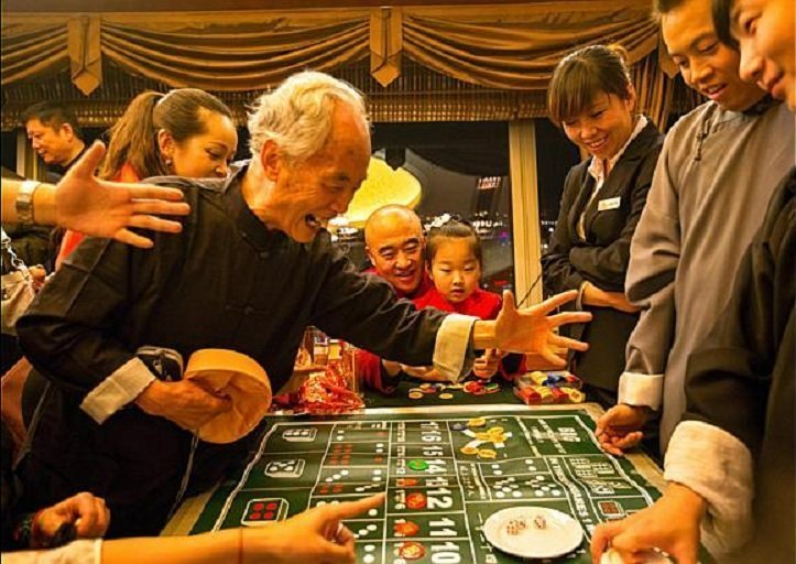 9 Chinese Gambling Superstitions