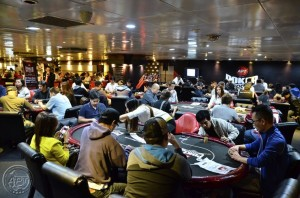 APT-Poker-Room-Crowd1