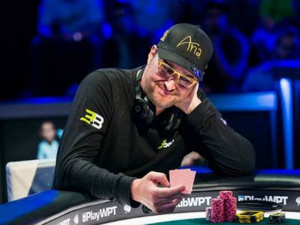 Artur Papazyan defeats Phil Hellmuth to win the WPT Legends Main Event