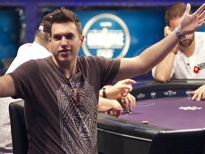 Doug Polk turns up the heat on Daniel Negreanu once again