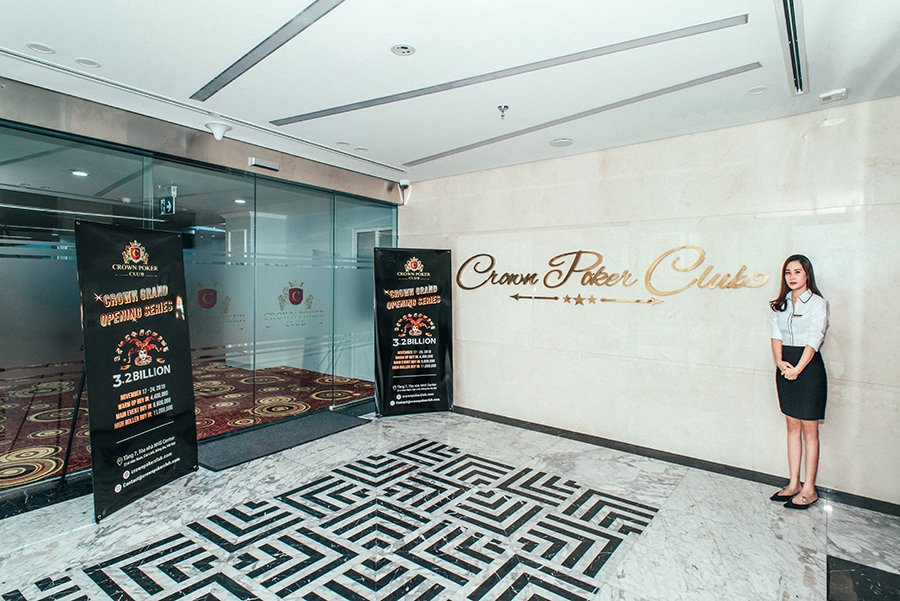 Crown Poker Club Hanoi entrance