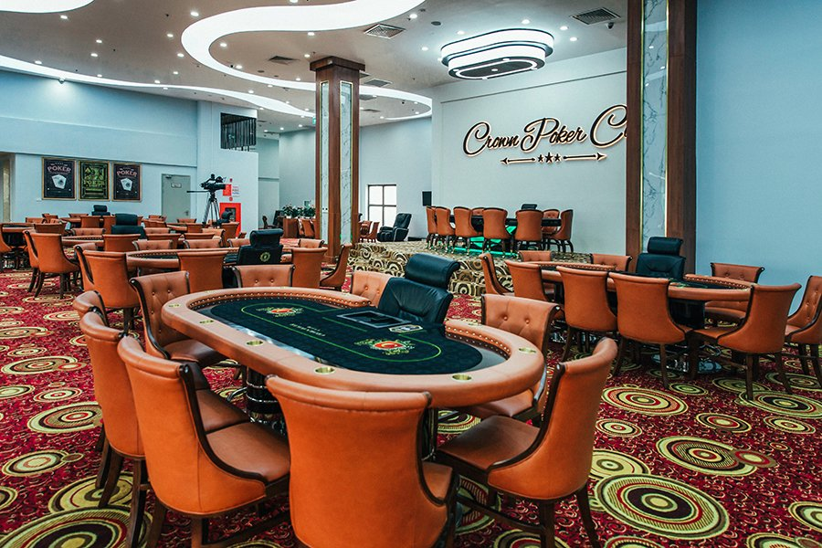 Crown Poker Club Hanoi room