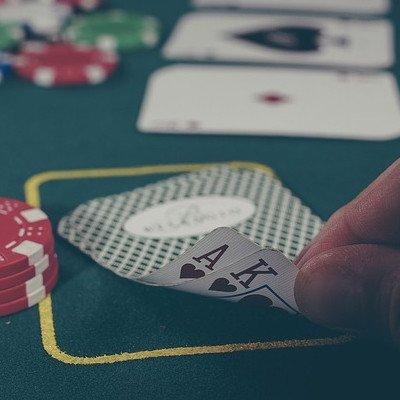 Comunity Card Games