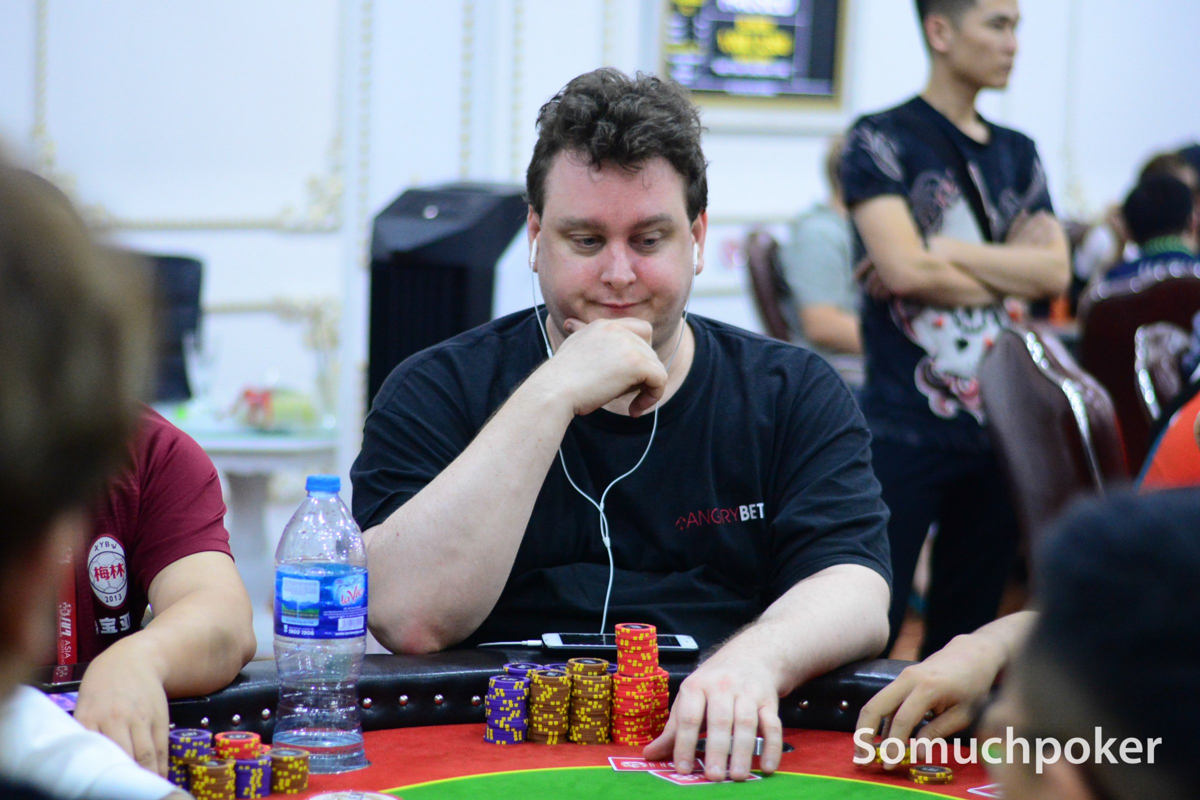 200 entries for APL Vietnam Main Event Day 1C; Matthew Mortensen bags a massive stack; Duy Ho wins NLH