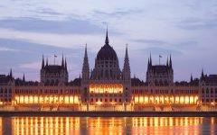 Budapest-Hungarian_Parliament_(Budapest)