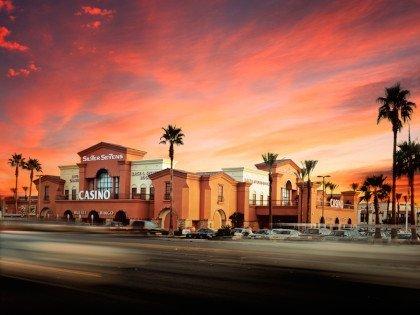 Silver-Sevens-Hotel-Casino-Exterior