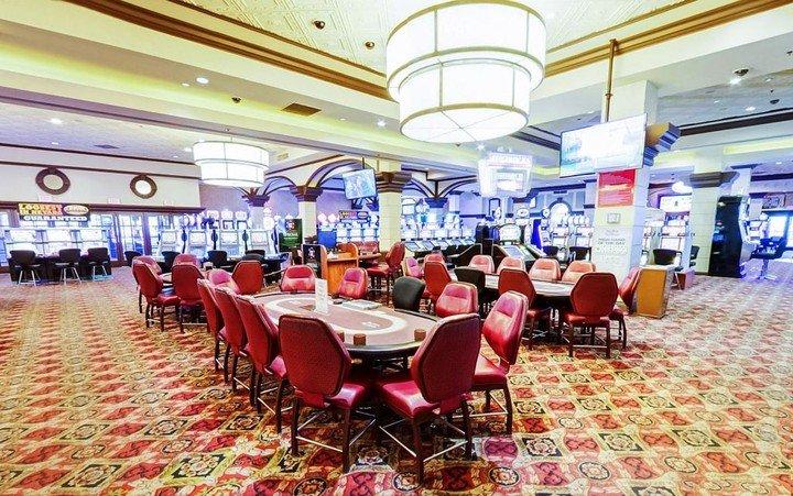 Silver-Sevens-Hotel-Casino