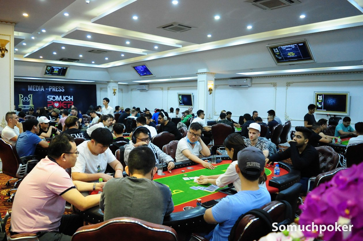 WPT Vietnam: Powerhouse field at Main Event Day 1B; 53 survive; Neil Raine wins second trophy