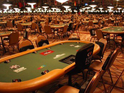 Poker players taking wagers on potential WSOP cancellation