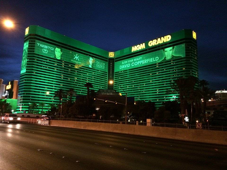 Las Vegas Strip Casinos Target Reopening Next Month; King's Casino Rozvadov Partially Up and Running