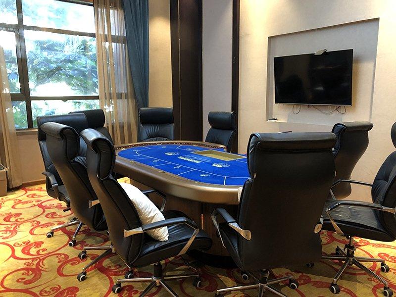 777 Triple Seven Poker Club room 02