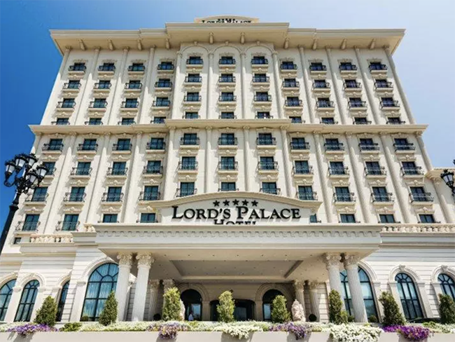 Lord's Palace Poker