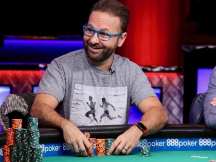 Daniel Negreanu bets $400,000 that Phil Hellmuth is a losing player